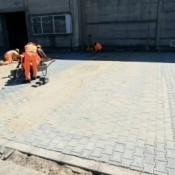 Cauti o firma pentru asfaltare curte? Alege profesionisti!